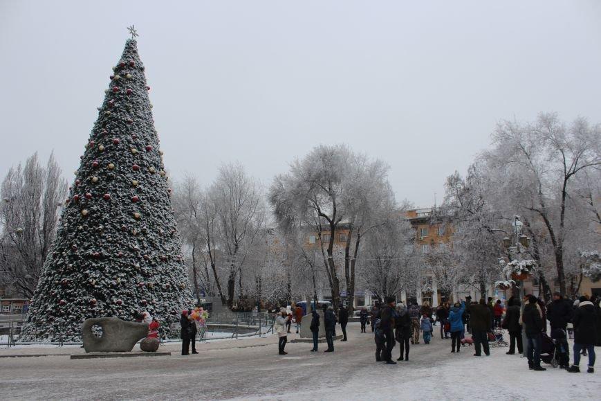 Как выглядит Запорожье в первый день нового года, - ФОТОРЕПОРТАЖ, фото-9