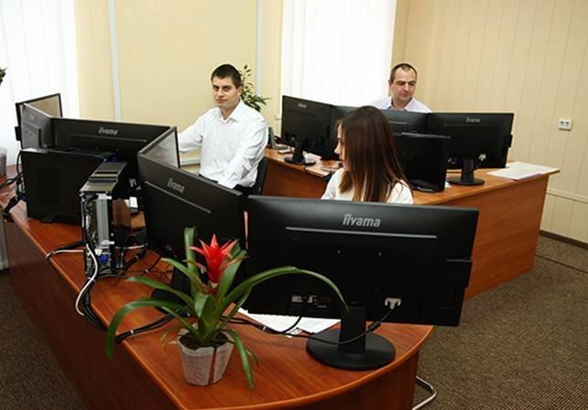 У Новорічну ніч поліція Хмельницької області прийняла 726 дзвінків, фото-1