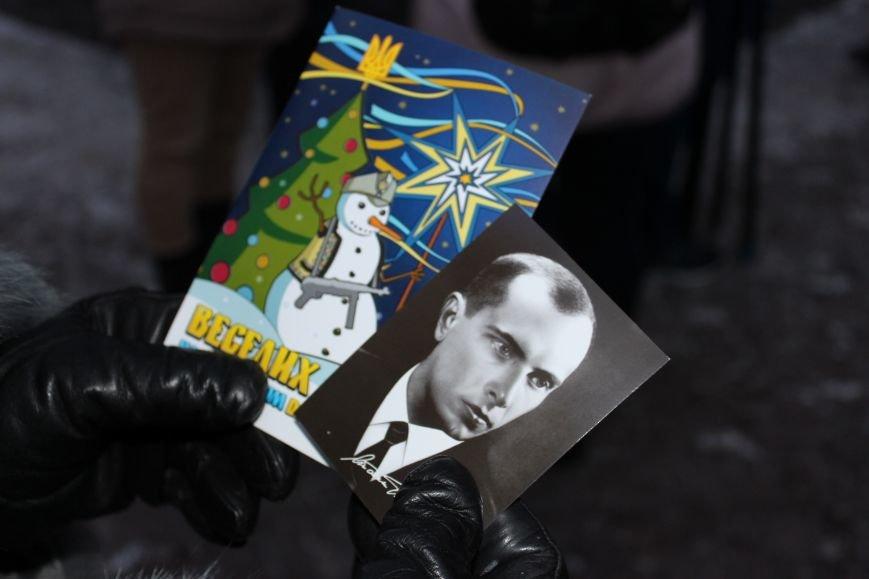 В Запорожье факельным шествием отметили День рождения Бандеры, - ФОТОРЕПОРТАЖ, фото-2
