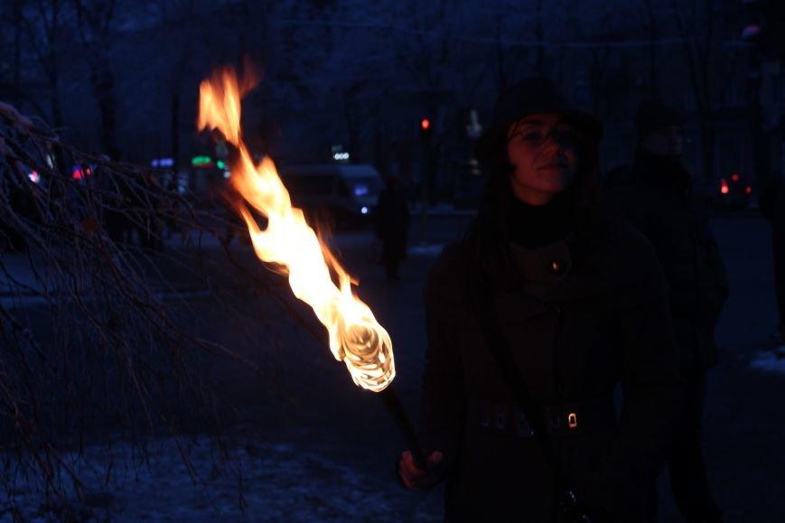 В Запорожье факельным шествием отметили День рождения Бандеры, - ФОТОРЕПОРТАЖ, фото-9