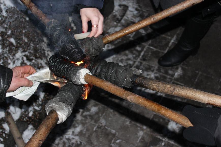 В Запорожье факельным шествием отметили День рождения Бандеры, - ФОТОРЕПОРТАЖ, фото-4