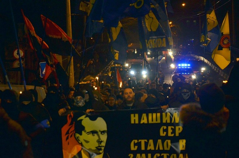 По Одессе прошли националисты с факелами в честь Бандеры (ФОТО), фото-9