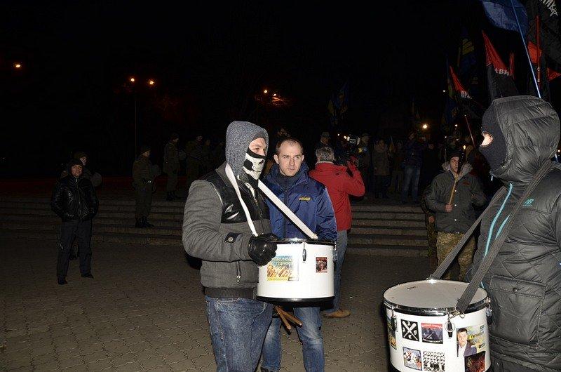 По Одессе прошли националисты с факелами в честь Бандеры (ФОТО), фото-2