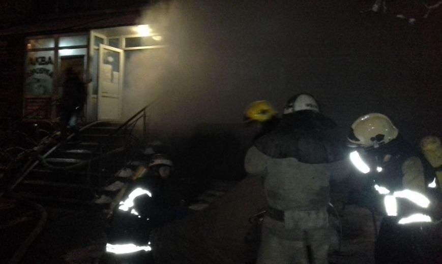 В центре Запорожья горела баня, эвакуировали 29 человек, - ФОТО, фото-4
