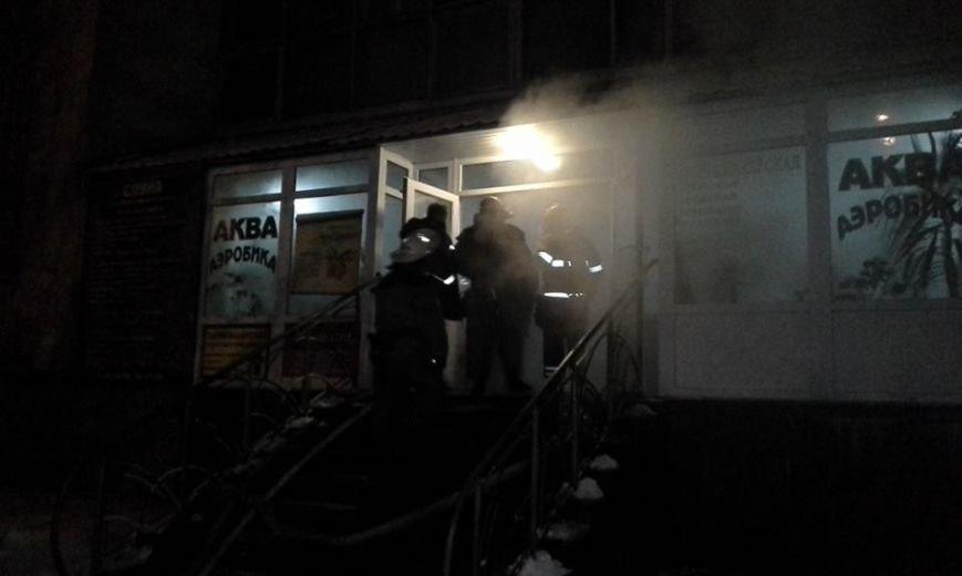 В центре Запорожья горела баня, эвакуировали 29 человек, - ФОТО, фото-3