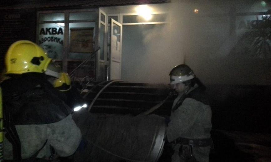 В центре Запорожья горела баня, эвакуировали 29 человек, - ФОТО, фото-7