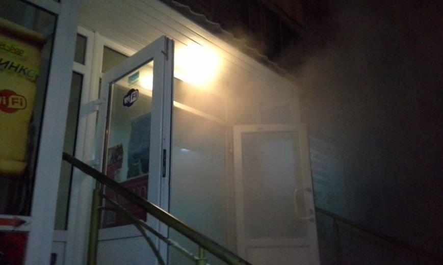 В центре Запорожья горела баня, эвакуировали 29 человек, - ФОТО, фото-9