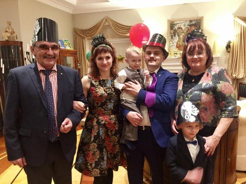 Буковинська родина відсвяткувала Новий рік з екс-президентом України (ФОТО), фото-1