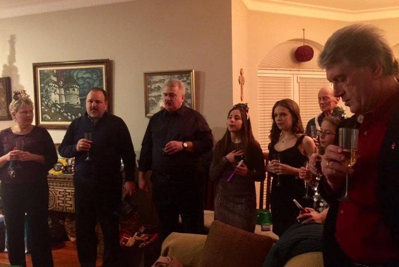 Буковинська родина відсвяткувала Новий рік з екс-президентом України (ФОТО), фото-4