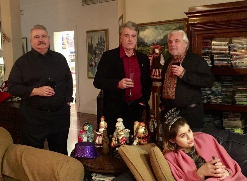 Буковинська родина відсвяткувала Новий рік з екс-президентом України (ФОТО), фото-3