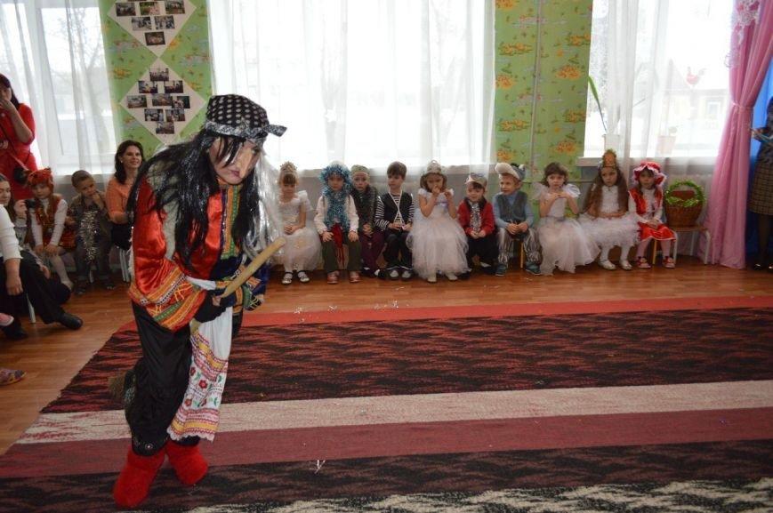 В селе Доброполье отпраздновали Новый год с подарками и театрализованным представлением, фото-2