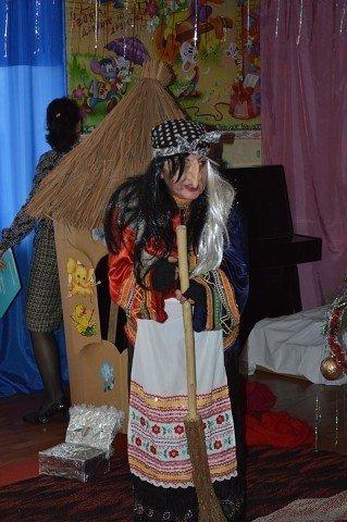В селе Доброполье отпраздновали Новый год с подарками и театрализованным представлением, фото-3
