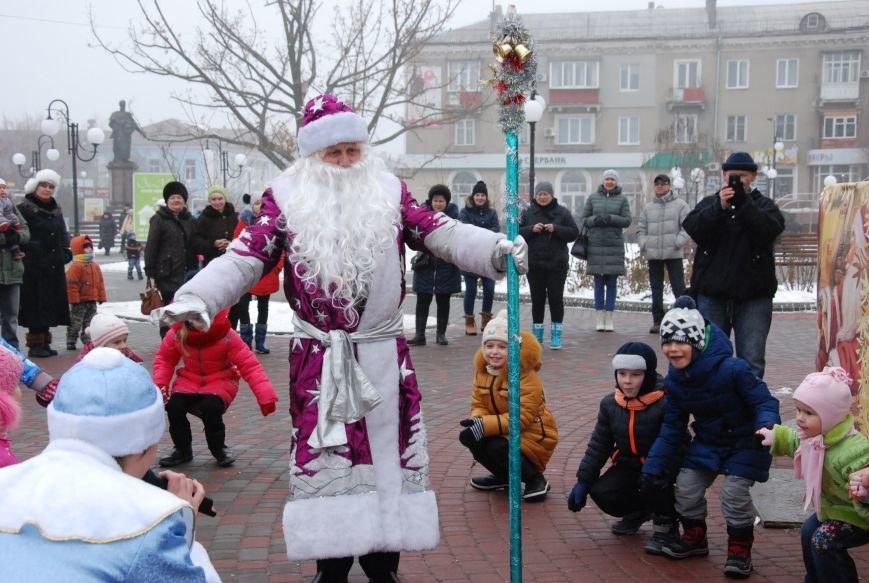 В Бердянске продолжались Новогодние мероприятия возле главной елки  города, фото-6
