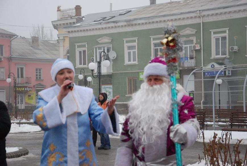 В Бердянске продолжались Новогодние мероприятия возле главной елки  города, фото-3