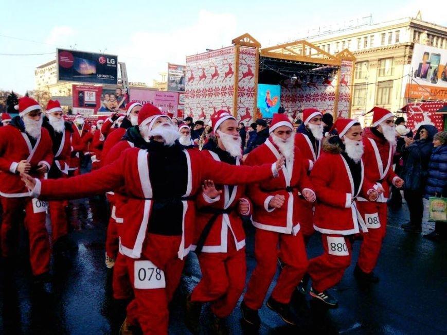 В Днепре пробежались Деды Морозы (ФОТО), фото-1