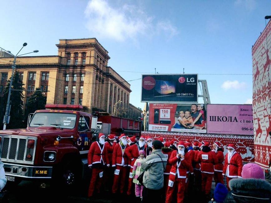 В Днепре пробежались Деды Морозы (ФОТО), фото-2