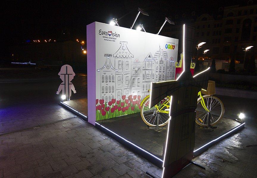 На Почтовой открыли селфи-городок в стиле стран Европы (ФОТОРЕПОРТАЖ), фото-2