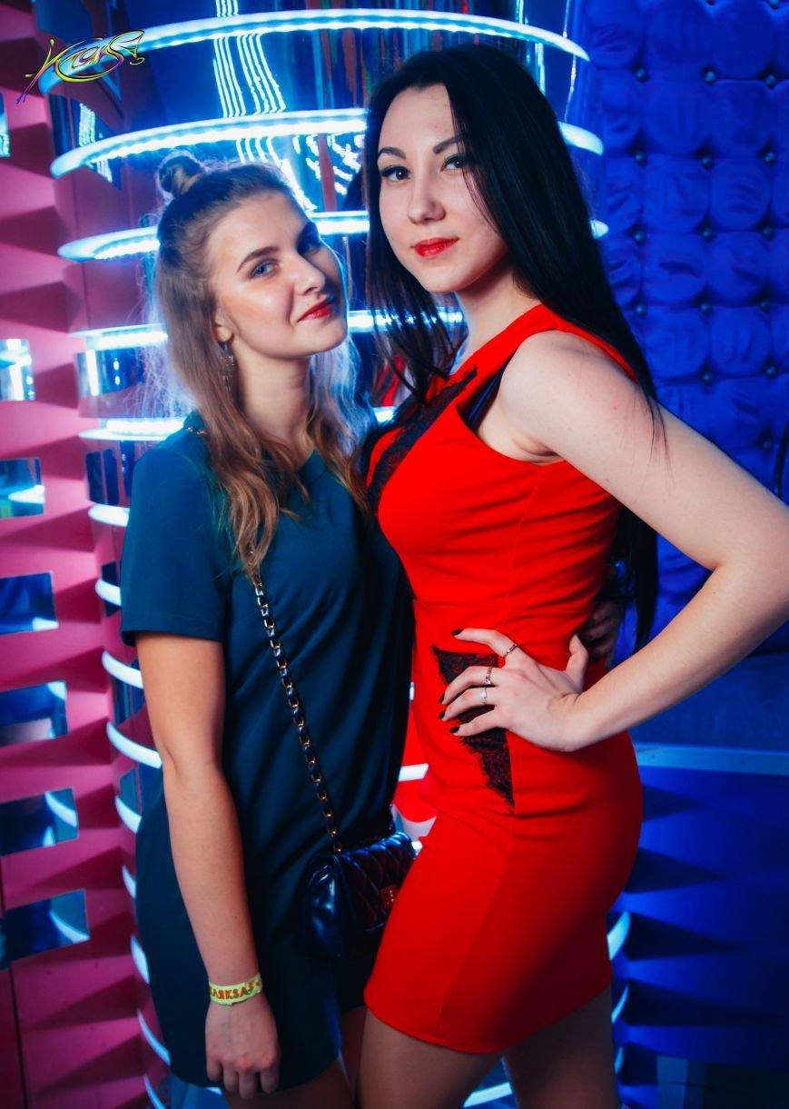 Девушки в красном: в чем встречали Новый год в клубах Полоцка и Новополоцка. ФОТО, фото-2