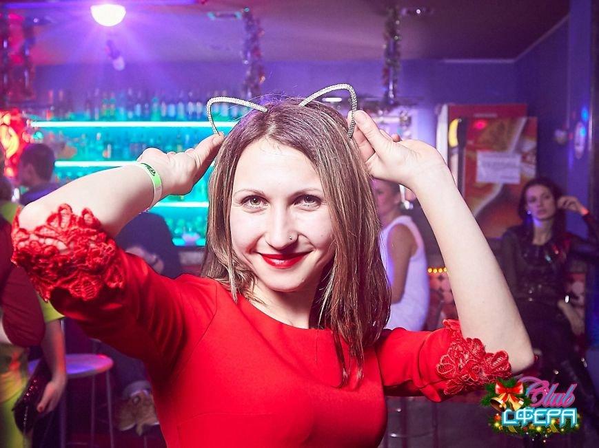 Девушки в красном: в чем встречали Новый год в клубах Полоцка и Новополоцка. ФОТО, фото-10