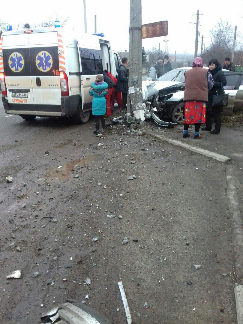 В Кривом Роге в жуткой аварии пострадали 3 человека и один мужчина погиб (ФОТО), фото-1