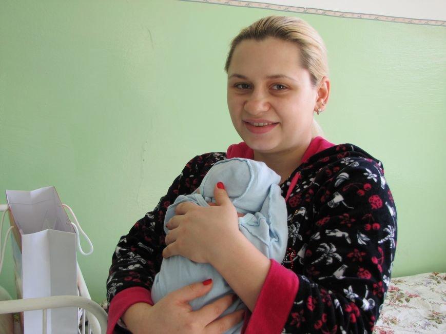 В первый день 2017 года в Мелитополе родилось три мальчика и одна девочка (фото), фото-9