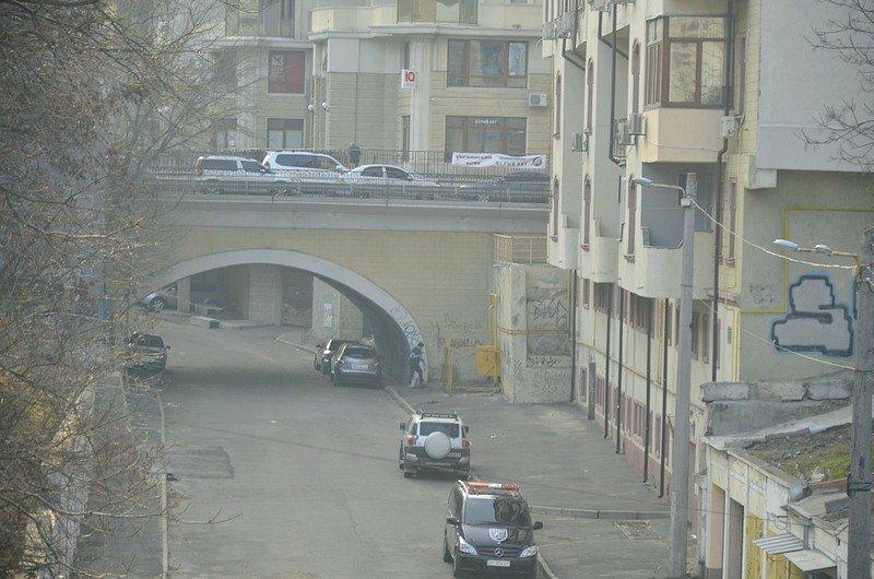 Одесские автохамы оставили автомобили на разрушающихся мостах (ФОТО), фото-5
