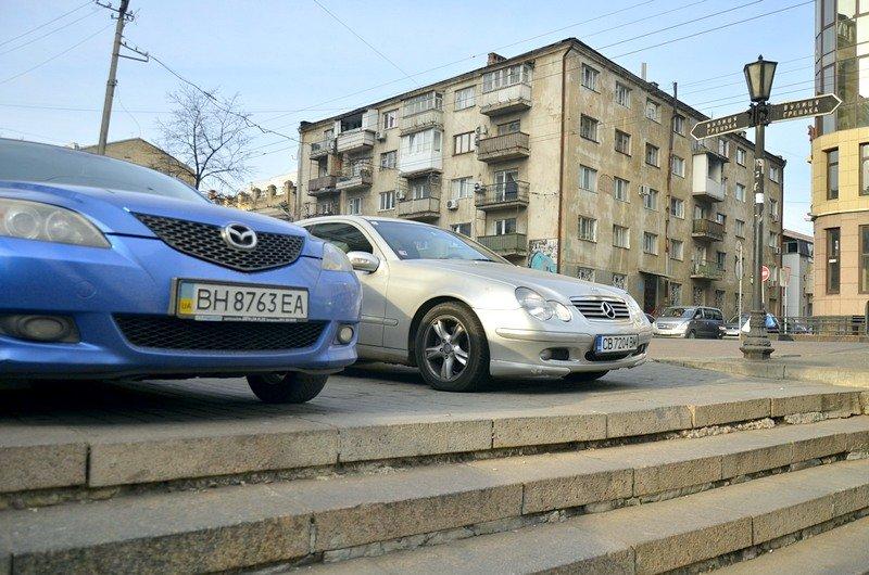 Одесские автохамы оставили автомобили на разрушающихся мостах (ФОТО), фото-4