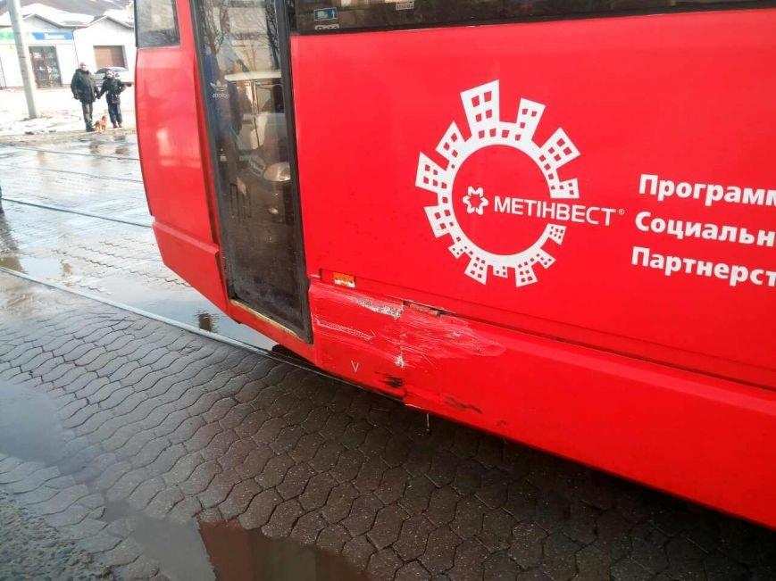 """В Мариуполе """"семерка"""" врезалась в трамвай (ФОТО), фото-3"""