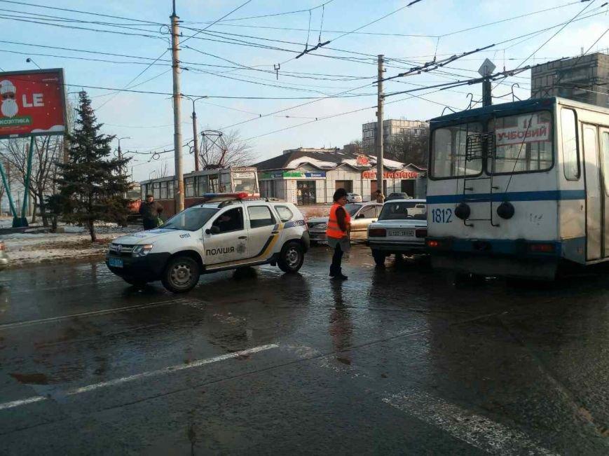 """В Мариуполе """"семерка"""" врезалась в трамвай (ФОТО), фото-4"""