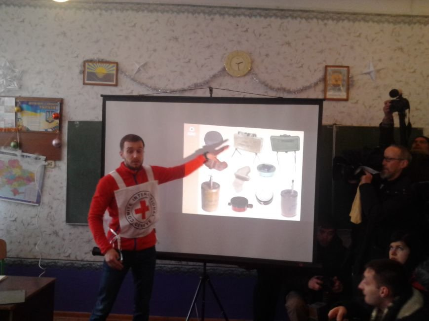 В Виноградном вручили таблички о минной опасности (ФОТОРЕПОРТАЖ), фото-9