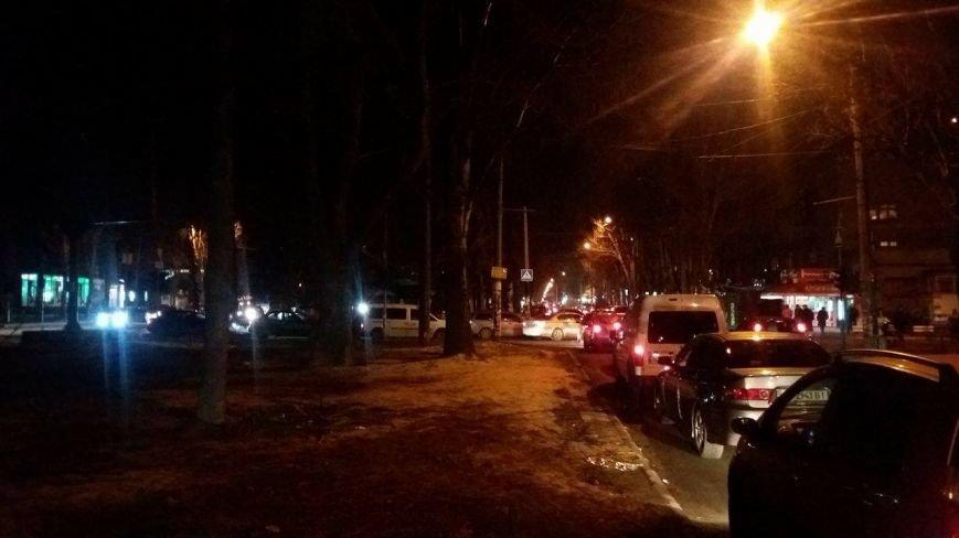 В центре Запорожья из-за открытия Макдональдса образовалась большая пробка, - ФОТО, фото-2