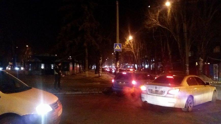 В центре Запорожья из-за открытия Макдональдса образовалась большая пробка, - ФОТО, фото-1