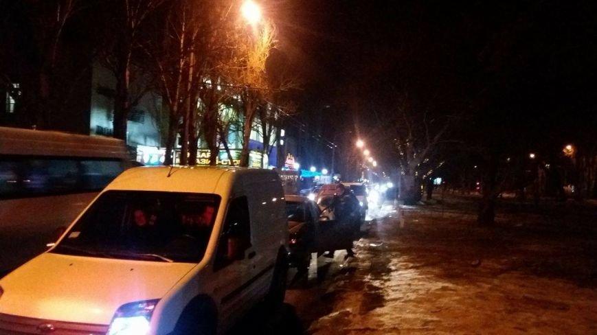 В центре Запорожья из-за открытия Макдональдса образовалась большая пробка, - ФОТО, фото-3