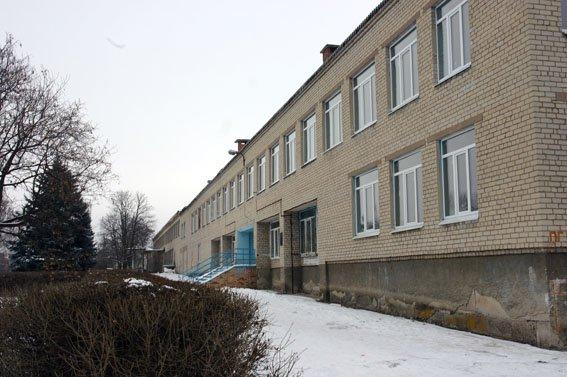 В прифронтовом Новолуганском открылся опорный пункт полиции, фото-2