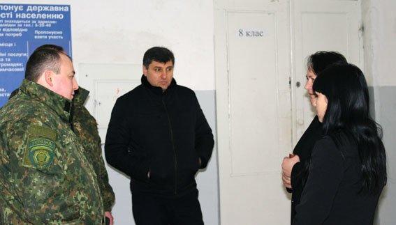 В прифронтовом Новолуганском открылся опорный пункт полиции, фото-3