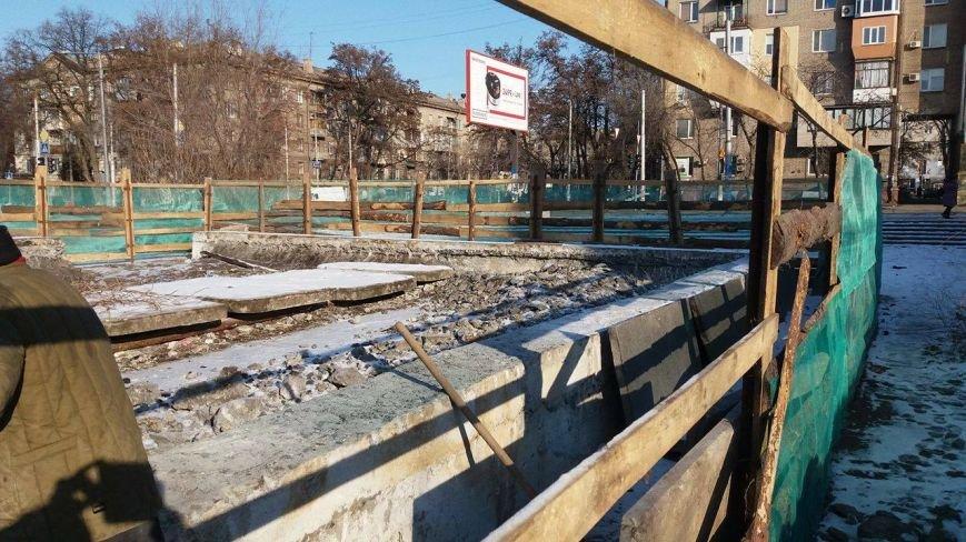 """Возле ДК """"Орбита"""" строят выставочный павильон, - ФОТО, фото-7"""