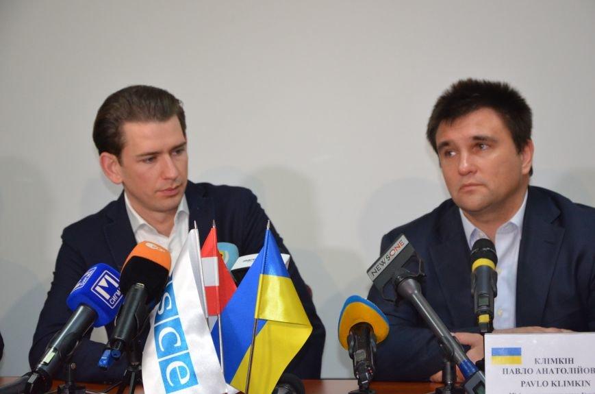 Глава ОБСЕ Себастьян Курц рассказал, о чем общался с жителями Мариуполя (ФОТО+ВИДЕО), фото-4