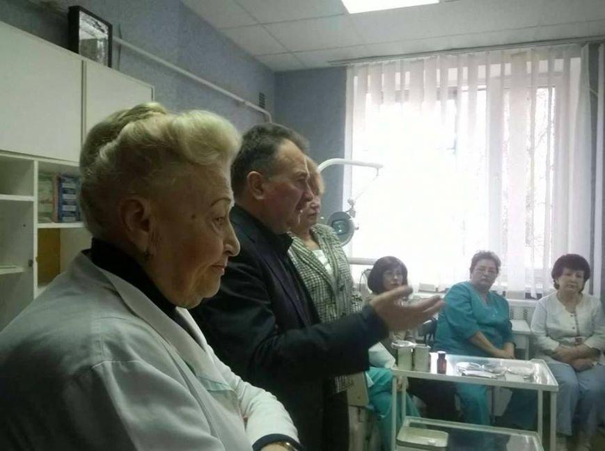Никого увольнять не станут: мэр Херсона попытался успокоить медиков (фото), фото-1