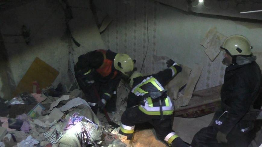 Полиция рассказала о взрыве в многоэтажном доме на Металлургов, фото-2