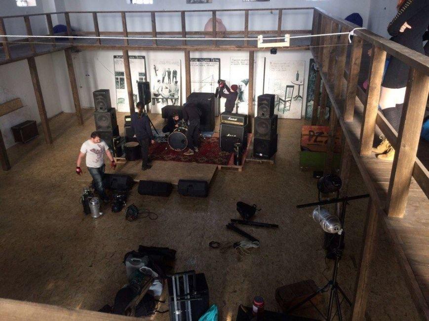Мариупольские рок-музыканты сняли клип о том, как мальчик становится мужчиной (ФОТО), фото-1