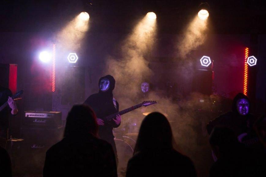 Мариупольские рок-музыканты сняли клип о том, как мальчик становится мужчиной (ФОТО), фото-3
