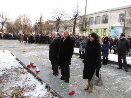 Мітинг та урочисте покладання квітів з нагоди 73-ї річниці визволення міста Новограда-Волинського від фашистських загарбників, фото-3