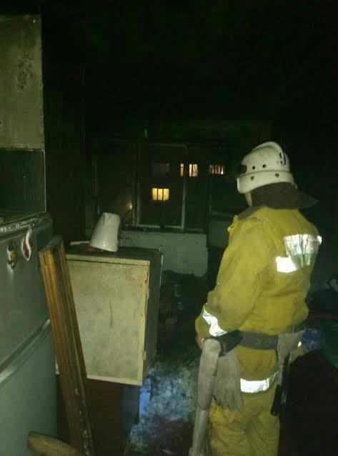 Житель Мелитополя едва не погиб в горящей квартире, - ФОТО, фото-2