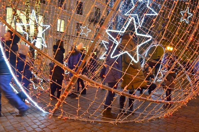 Дерибасовская после Нового года: баскетбол, фаер-шоу и олень (ВИДЕО, ФОТО), фото-2