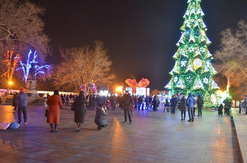Дерибасовская после Нового года: баскетбол, фаер-шоу и олень (ВИДЕО, ФОТО), фото-12