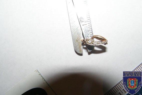 У одесситки в сумке обнаружили ювелирную лавку и склад антиквариата (ФОТО), фото-12