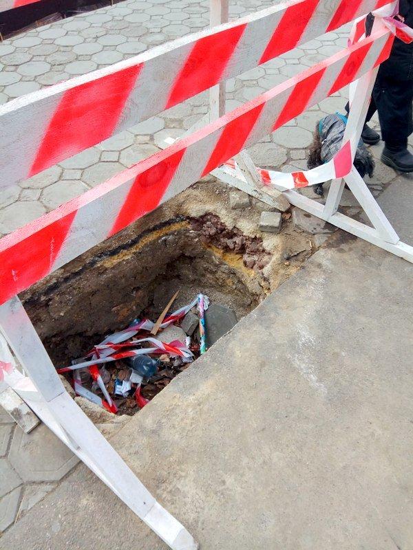 Коммунальщики нарыли ямы в центре Одессы: глядите в оба (ФОТО), фото-6