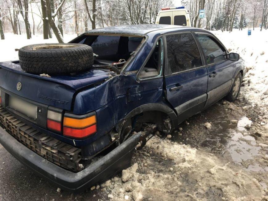 В Харькове автомобиль сбил пешехода после ДТП (ФОТО), фото-2