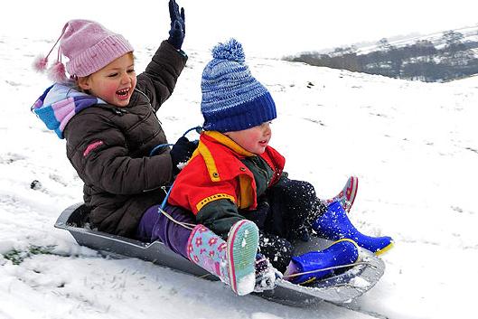 «Самой холодно. Бррр… Зачем морозить ребенка?»: многие мамы не отпустили маленьких новополочан и полочан в сад, фото-1
