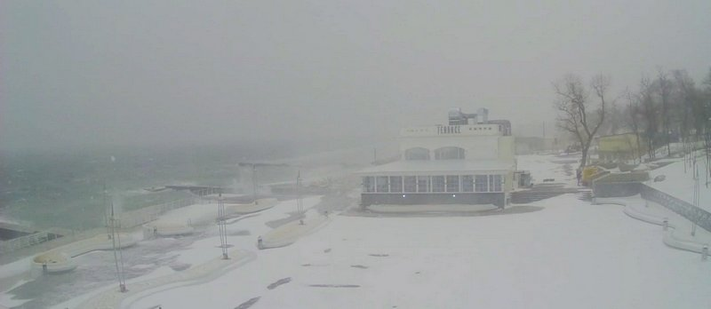 Непогода разбушевалась на одесском побережье (ВИДЕО), фото-1
